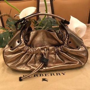 Burberry handbag 100% authentic